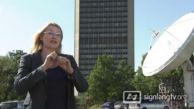 Iris Domancova - Slovak Sign Language Deaf TV presenter